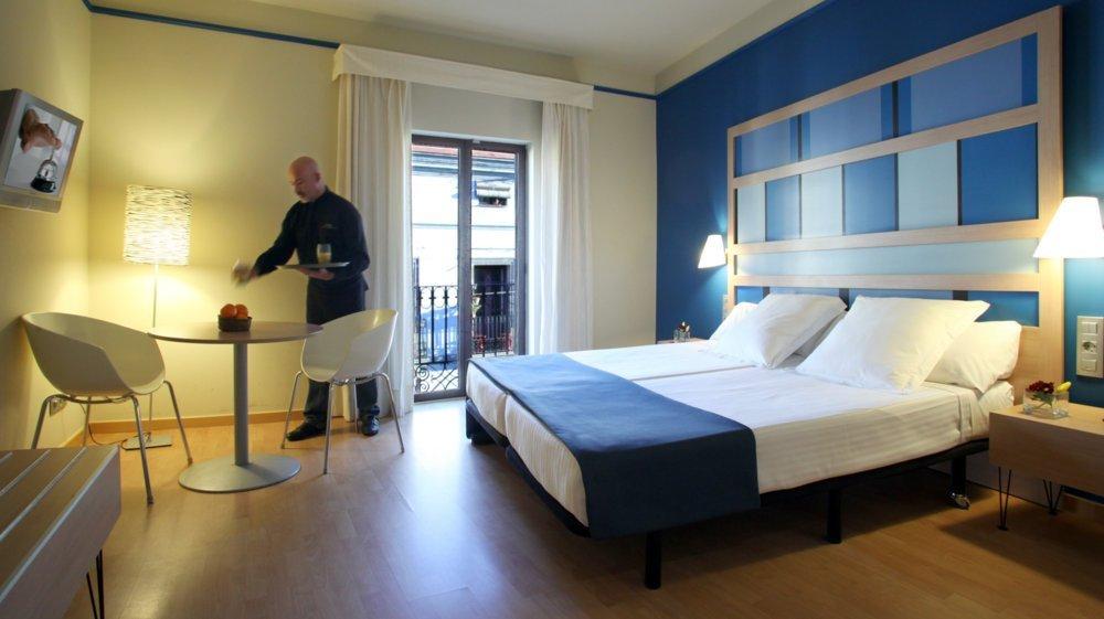 Chambres h tel ciutat barcelona h tel barcelone site officiel - Hotel chambre familiale barcelone ...